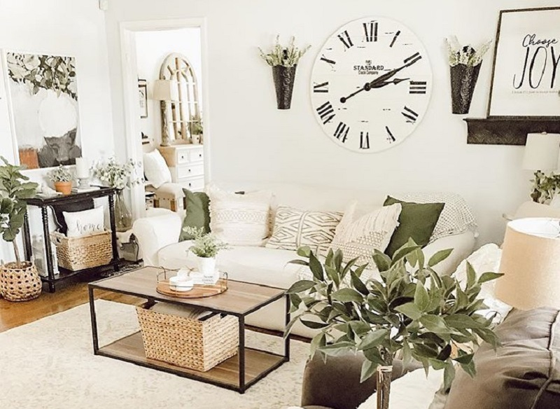 How To Decorate Your Empty White Walls